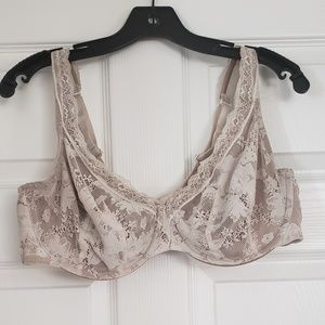 Cream with gold lining Lacy bra